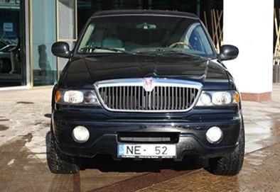 Riga Limousine Service - 2007 Lincoln Navigator Super
